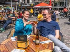 Zwolle omarmt twee-per-tafelmaatschappij: 'Het terras hebben we onwijs gemist'