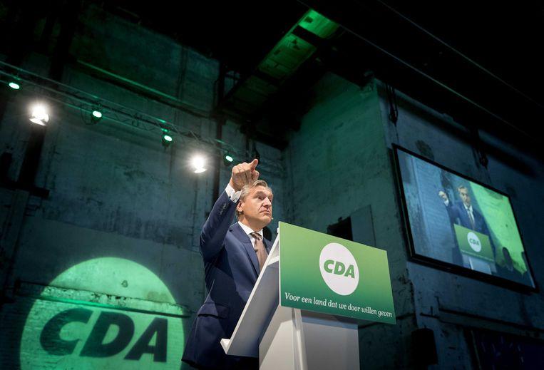 Sybrand Buma tijdens het partijcongres van het CDA in de Suikerfabriek in Groningen waar onder meer vooruit gekeken wordt naar de herindelingsverkiezingen.  Beeld ANP