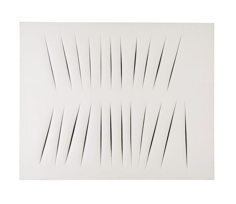 'Concetto spaziale, Attese', een werk van Lucio Fontana.  Beeld Photoshot