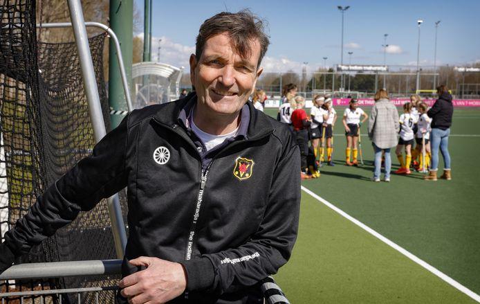 Robbert Jan Doorenbos, de mental coach van de vrouwen van hoofdklasser Victoria.