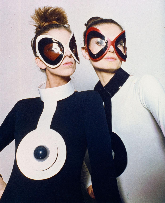 Een van de futuristische ontwerpen van Cardin.  Beeld Archives Pierre Cardin