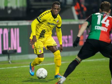 De Treffers legt aanvaller Cedric Badjeck vast