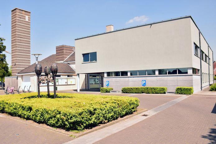Het Midzomerfeest vindt plaats aan het gemeentehuis in Weelde.