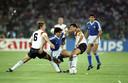 Maradona in actie tegen West-Duitsland op het WK van 1990.