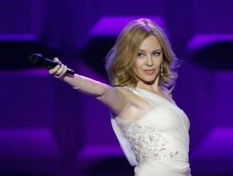 Kylie Minogue (52) breekt record in UK: vijf albums op nummer 1 in vijf decennia