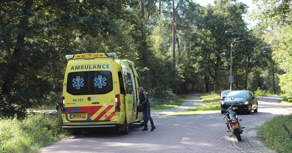 Eenzijdig ongeval op de Beerzerweg: motorrijder naar ziekenhuis.