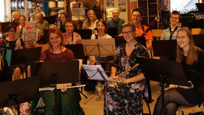 Harmonie De Burgersgilde brengt herinnering aan dierbaren tot leven met solistenconcert