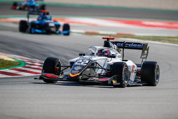 Amaury Cordeel in zijn bolide van Campos Racing, tijdens de start van het 2021 FIA Formula 3 Championship in Barcelona.