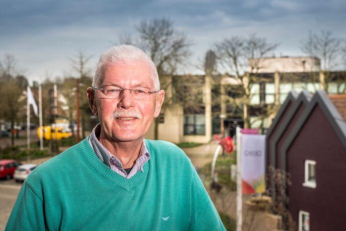 Rinus Visscher was jarenlang voorzitter van de VVD in Tubbergen. Hij is als dank voor zijn inzet voor deze partij onderscheiden met de Thorbecke-penning.