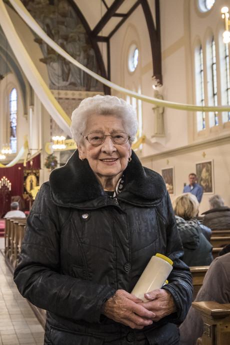 Marietje (98) uit Losser slaat al tachtig jaar geen processie over