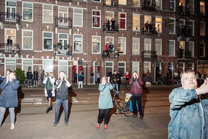 Amsterdam - 2020-03-17 - Corona - Applaus OLVG Oost