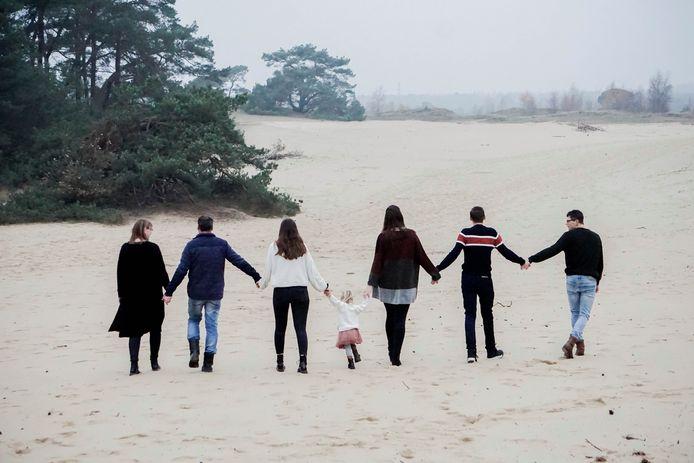 Gemeentes in de regio Nijmegen zijn op zoek naar nieuwe pleegouders. Volgens Entrea Lindenhout staan wachten zeker veertig kinderen op een ( tijdelijke) veilige plek.