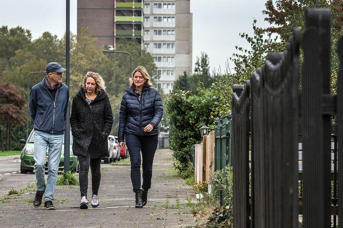Buurtbemiddelaars Maarten van den Berg, Anoek Beekhuizen (coördinator) en Esmé van der Ende (r) van Buurtbemiddeling Breda.