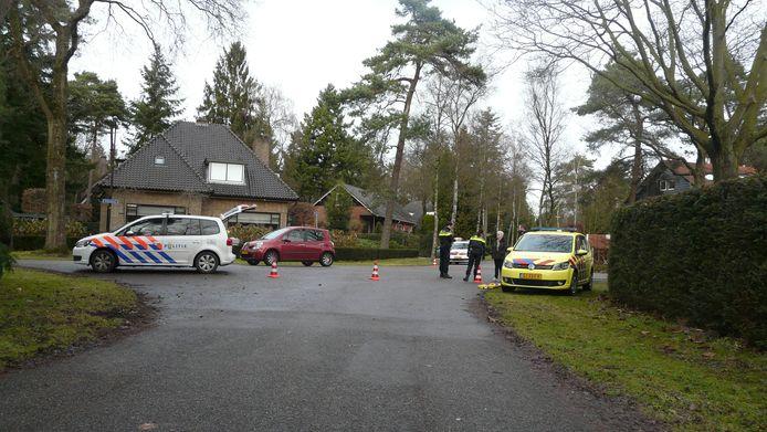 De kruising van de Ribeslaan met de Vliegerlaan waar het verkeersongeval plaatsvond.