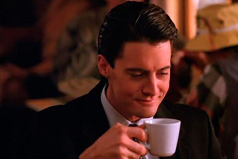 """FBI-agent Dale Cooper met een """"verdomd lekkere koffie""""."""