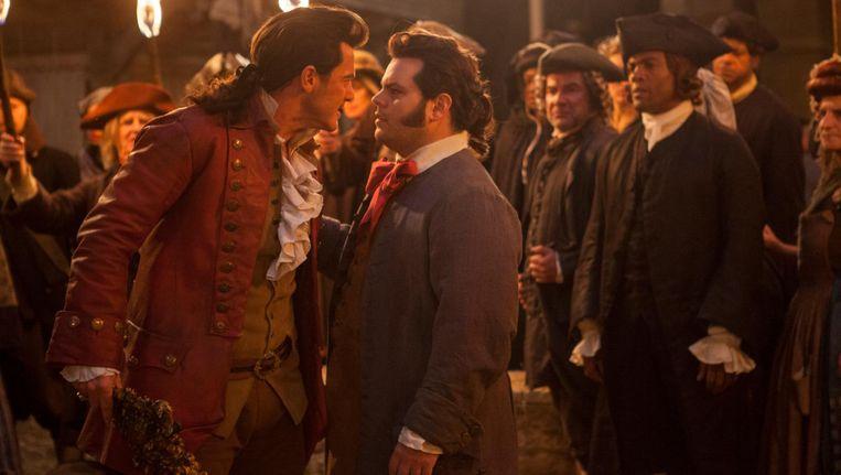 De gewraakte 'homoscène' duurt amper enkele seconden en toont hoe het personage LeFou, gespeeld door Josh Gad, danst met zijn beste vriend Gaston, vertolkt door Luke Evans. Beeld ap