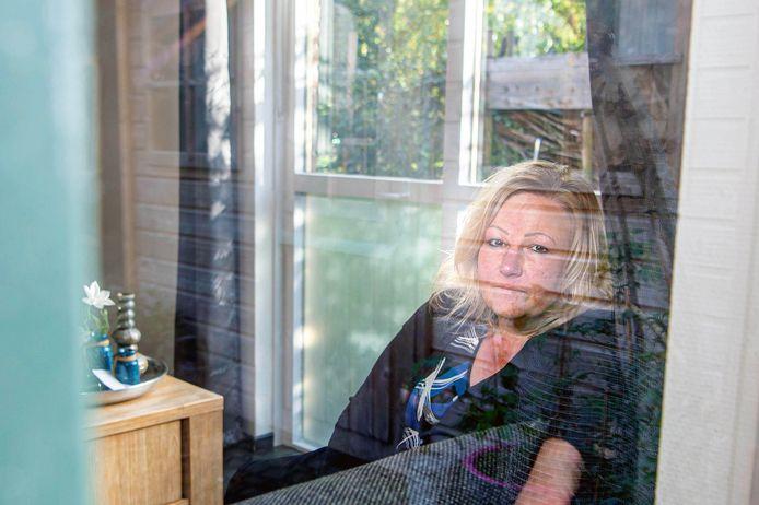 Natasja Verploegen in haar woning.