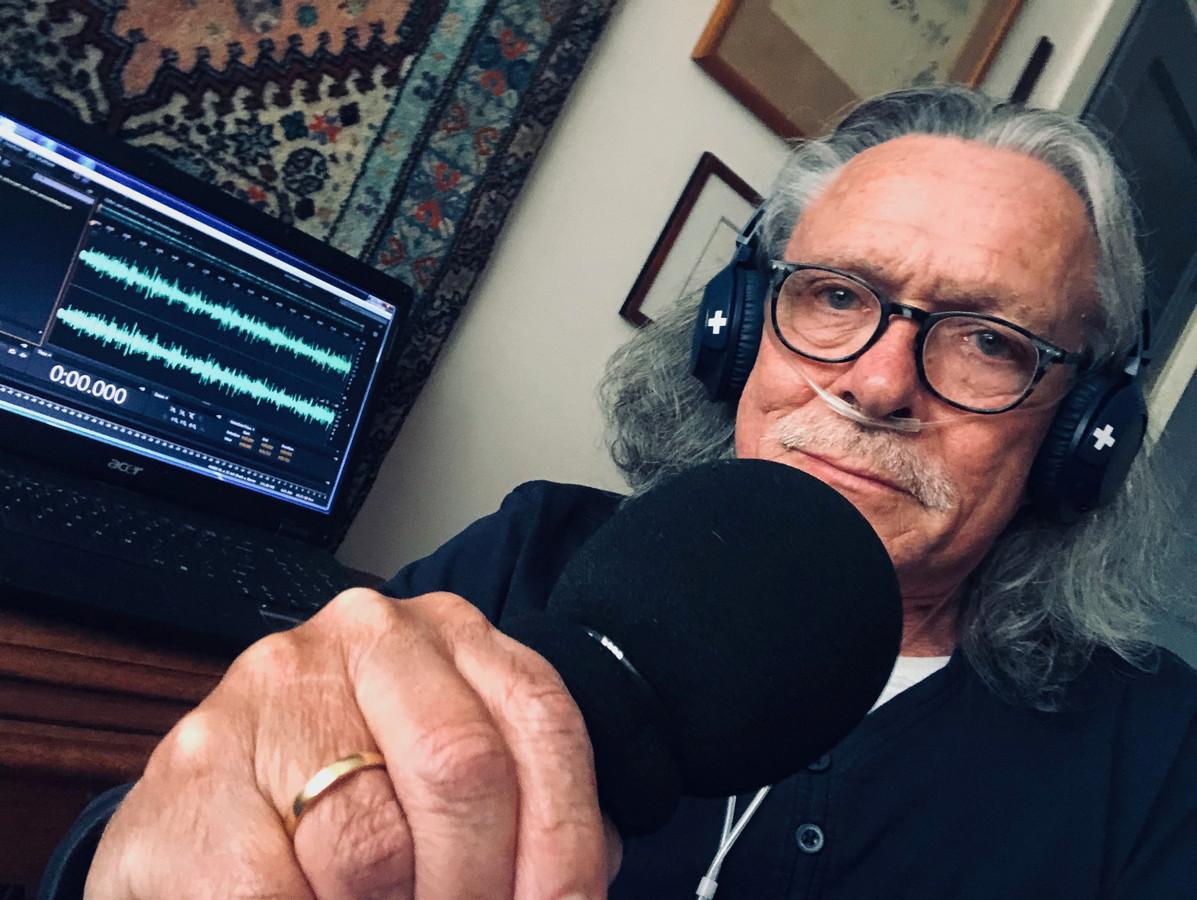 Ben Meijer-Hof tijdens de opname van zijn podcast.