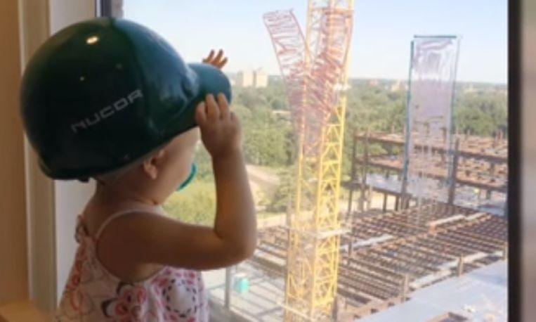bouwvakkers-meisje-leukemie_libelle