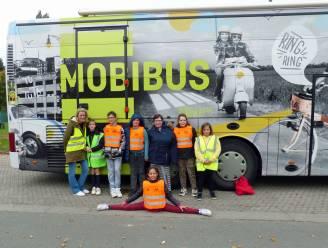 Leerlingen krijgen verkeersopvoeding met Mobibus
