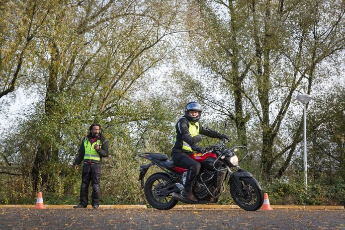 Motorrijles in Amsterdam-Zuidoost door rijschool Nelen in 2016