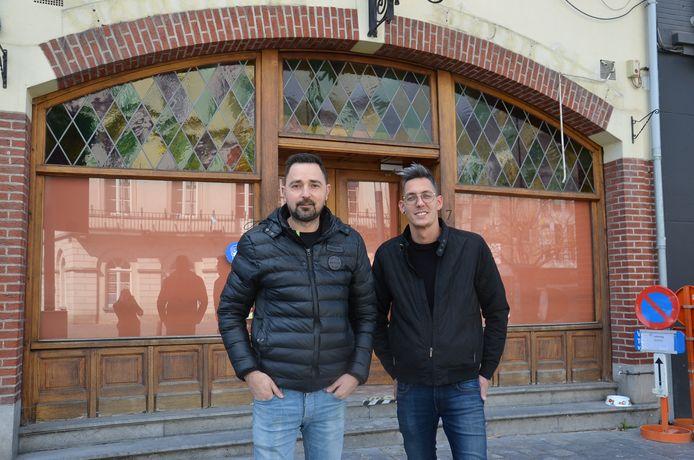 Chris Chrispeels en Kris Segers zijn de nieuwe eigenaars van het bekende café Gambrinus op het Oudstrijdersplein in Ninove.