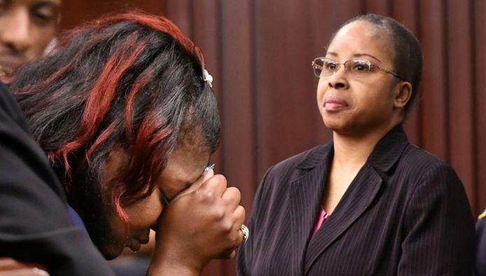 Links: Shanara Mobley, de biologische moeder van Kamiyah. Rechts: Gloria Williams, haar ontvoerster.
