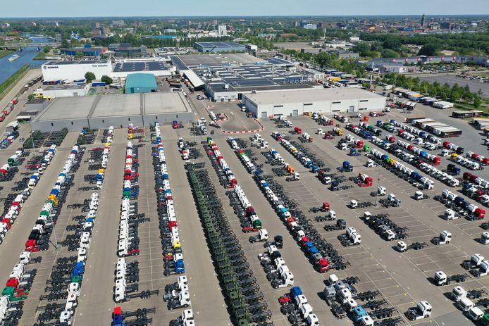Iedere dag rollen er zo'n tweehonderd trucks van de band bij Scania in Zwolle (foto) en Meppel.