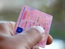Man (27) zonder rijbewijs misdraagt zich flink achter het stuur in Dronten
