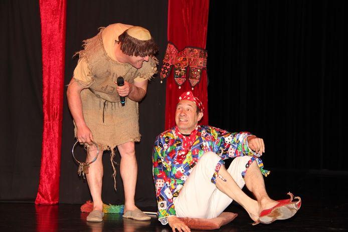 De theatervoorstelling heet 'Rock & roll in Koningsland' en wordt gebracht door Jeuk meespeeltheater.