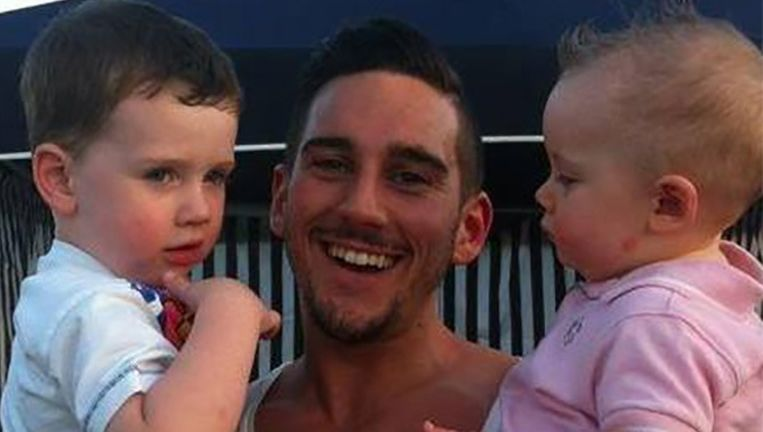 Thomas Kenny met zijn twee zonen