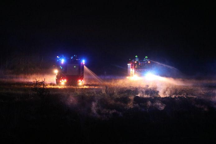 Een van de vier natuurbranden in de omgeving van Apeldoorn.