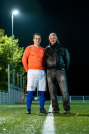 Met zoon Kevin, die bij DVOV in het eerste speelt.
