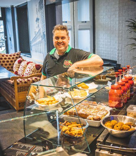 """Pionier van Libanese keuken in Gent heropend aan Sint-Pietersstation, nadat eerste locatie gedeeltelijk uitbrandde: """"Klanten vinden weer de weg naar ons"""""""