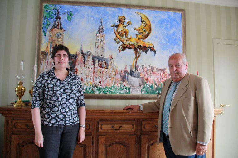 Burgemeester Lies Laridon samen met haar vader, oud-burgemeester Hendrik Laridon, in 2011.