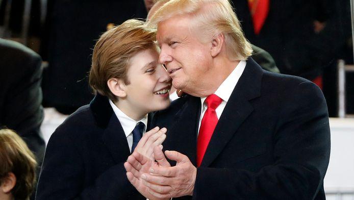 La Maison Blanche a appelé mardi au respect de la vie privée de Barron Trump.