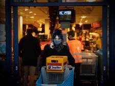 Supermarkten tevreden over klanten die (bijna) allemaal mondkapje dragen