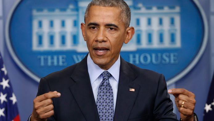Voormalig president Barack Obama heeft voor het eerst gereageerd op het beleid van zijn opvolger Donald Trump.