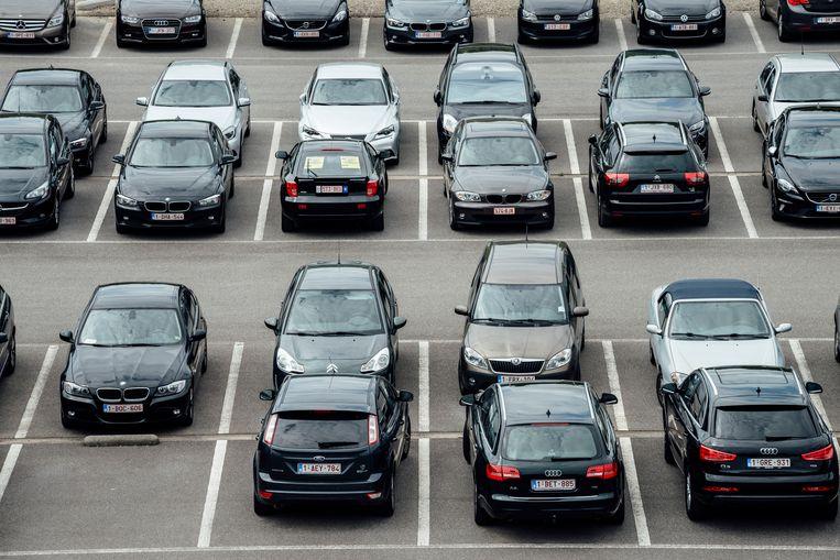 Wie zijn bedrijfswagen inlevert, zou 200 tot 400 euro netto extra krijgen Beeld Illias Teirlinck