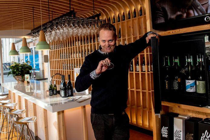 Derrick Neleman heeft onlangs een half miljoen euro bijeen gehaald. Met dat geld wil hij zijn wijnbedrijf verder uitbouwen.