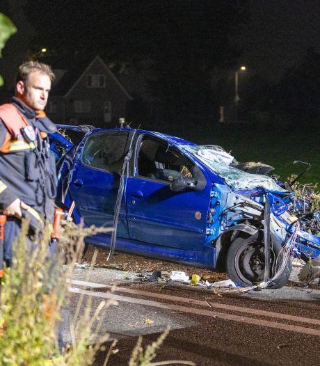 Leimuidenaar overleden na crash tegen boom