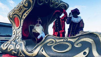 Sint en pak Pieten op 39ste Kampenhoutse Sinterklaasstoet