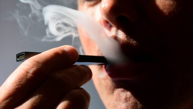 Bedrijf achter e-sigaret Juul ontslaat 650 mensen