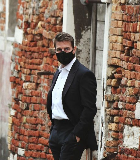 """Masqué, Tom Cruise reprend le tournage de """"Mission Impossible"""" à Venise"""