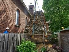 Veertien ton zware Lourdesgrot in Boekel in zijn geheel verplaatst