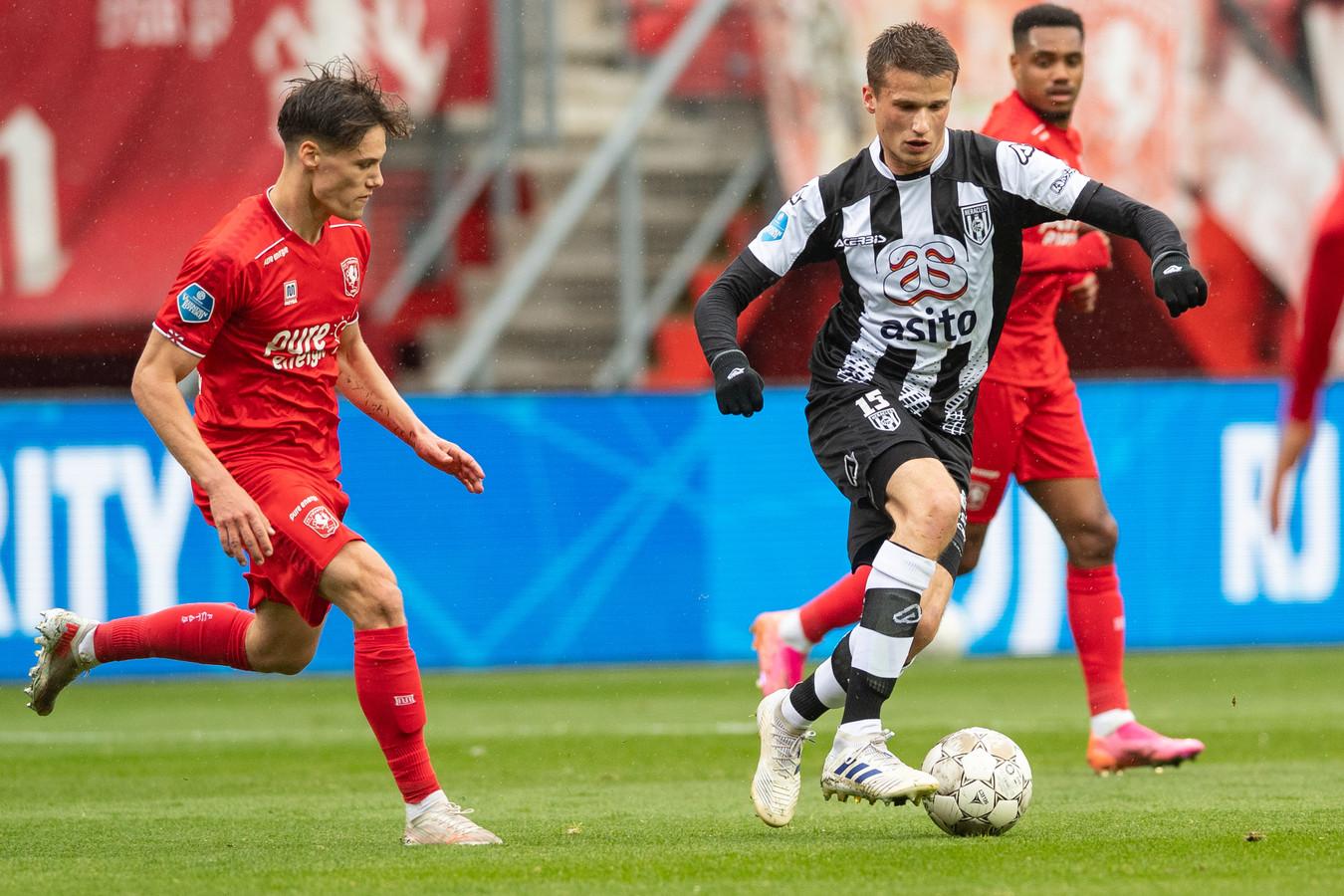 De eerste Twentse derby in het nieuwe seizoen is op vrijdag 5 november in Enschede.