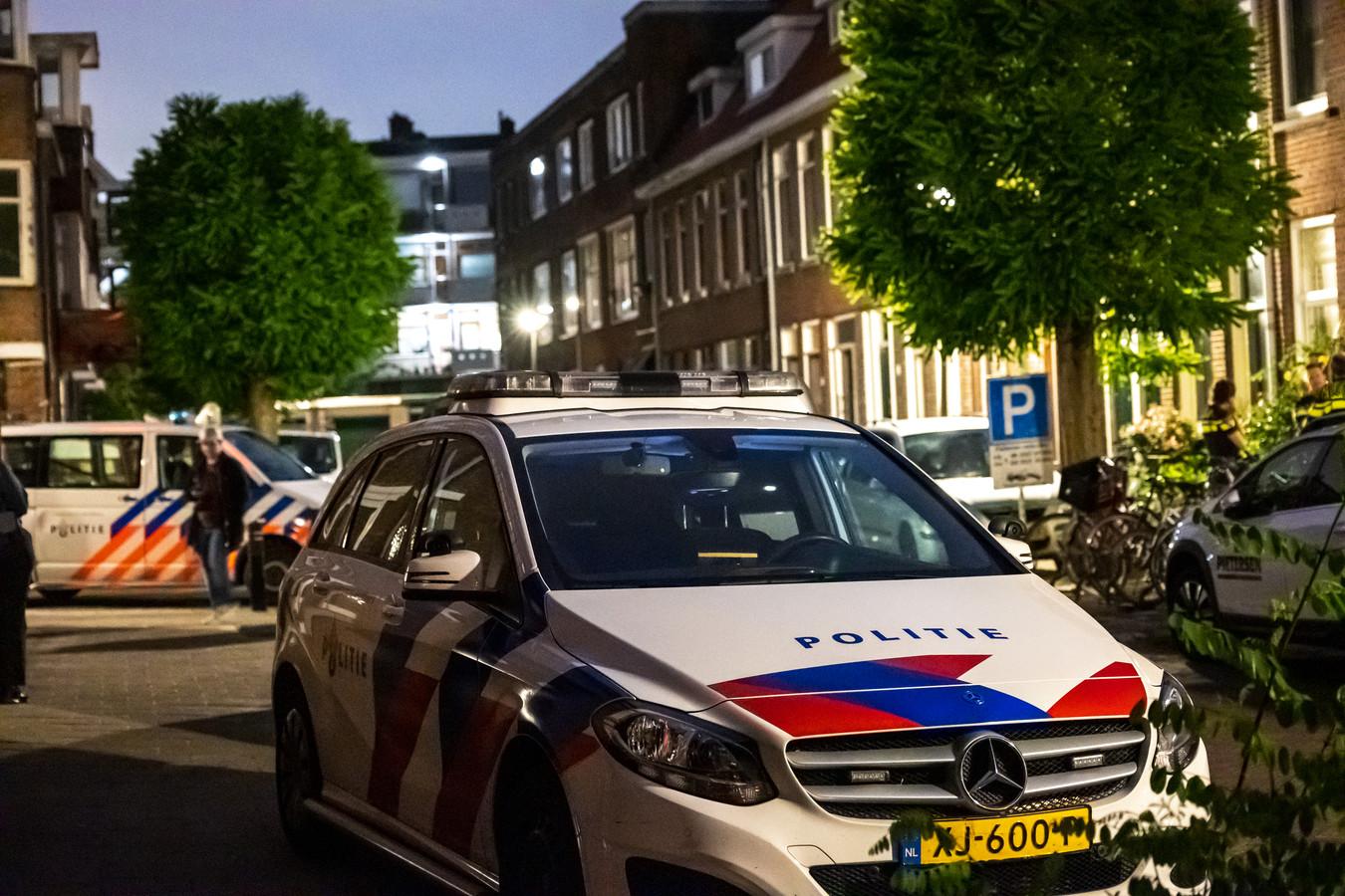 De woning in Schiedam is donderdagavond met geweld overvallen.