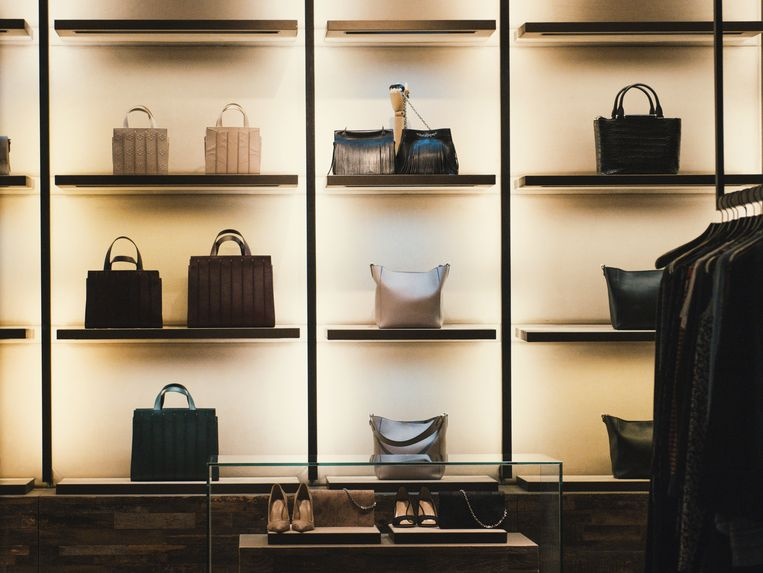 Droom je van een designer bag maar wil je geen fortuin uitgeven? Deze pareltjes zijn even mooi als the real thing!