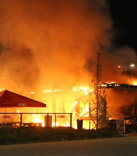 Verwoestende brand FEBO schokt Peter (60) die daar groot auto-event organiseert: 'Dit verdienen ze niet'