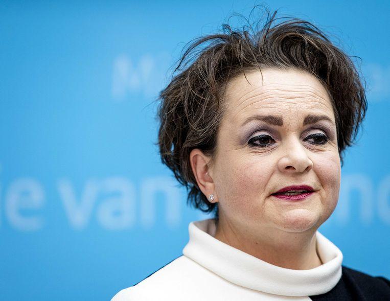 Demissionair staatssecretaris Alexandra van Huffelen van Financiën tijdens een persconferentie over de toeslagenaffaire.  Beeld ANP